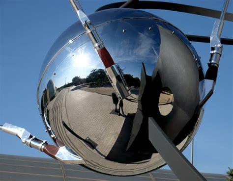 File:Sputnik en el Planetario de Madrid 01.jpg - Wikimedia ...