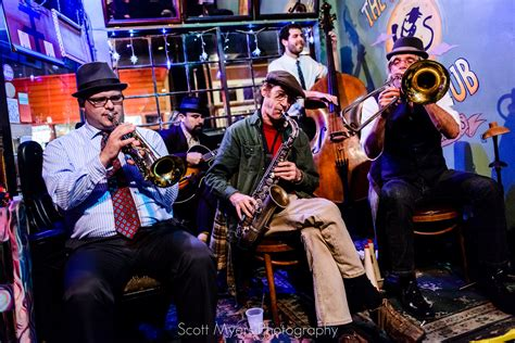 File:The New Orleans Jazz Vipers at the Spotted Cat Music ...