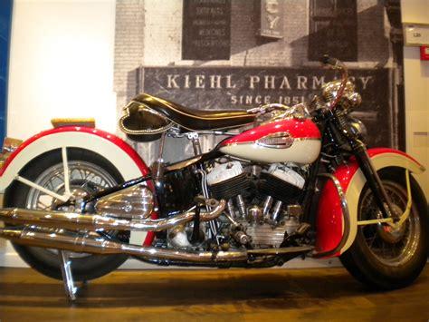 File:Vintage harley davidson photo in madrid spain 2011 ...