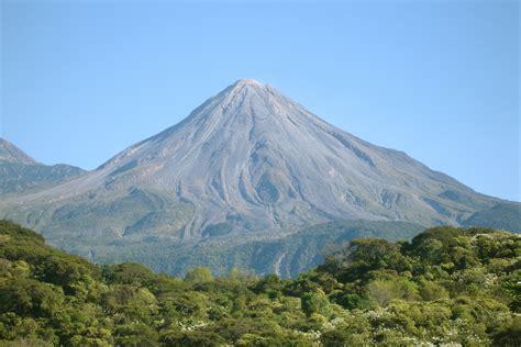 File:Volcan de Colima 2.jpg - Wikipedia