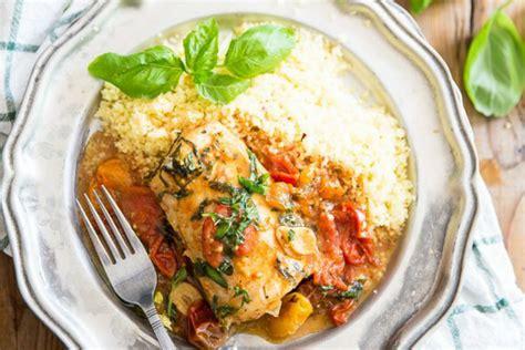 Filete de pescado blanco en salsa de tomate - Cocina y Vino