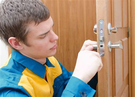 Finding Cheap Locksmith Near Me Fast | Locate The Closest ...