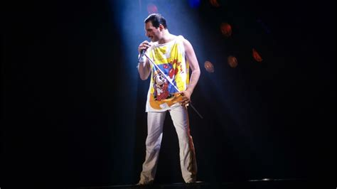 First Look: Rami Malek As Freddie Mercury   YouTube