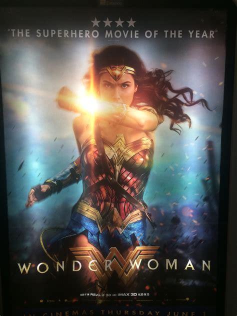 First Wonder Woman Review Is 4 Stars! Better Than Batman ...
