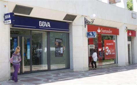 Fitch confirma el rating 'A-' de BBVA y Banco Santander