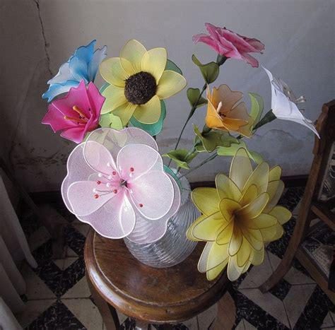 Flores de medias de nylon | Aprender manualidades es ...