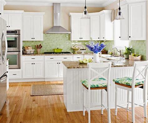 Foto: Cocina Blanca Suelo Madera de Decoratualma #878799 ...
