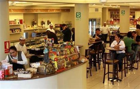 Foto de San Antonio, Lima: shop around the delicatessen ...