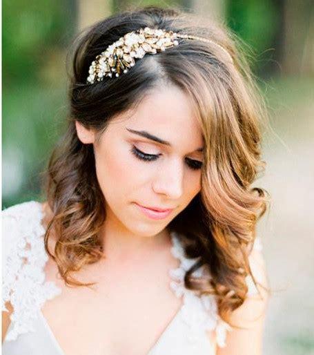 Foto : Peinados de boda para media melena   Cinta