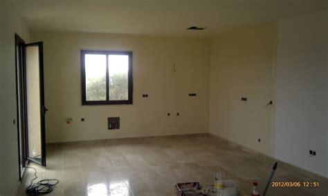 Foto: Pintura Interior en Casa de Campo Nueva de Fachadas ...