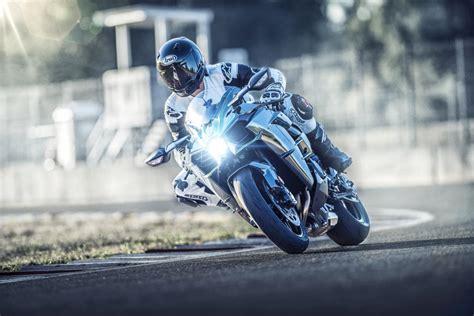 Fotos de la Kawasaki Ninja H2 2019 - formulamoto.es