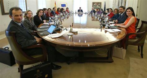 Fotos: El primer Consejo de Ministros del Gobierno de ...