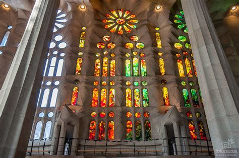 Fotos espectaculares del interior de la Sagrada Familia de ...
