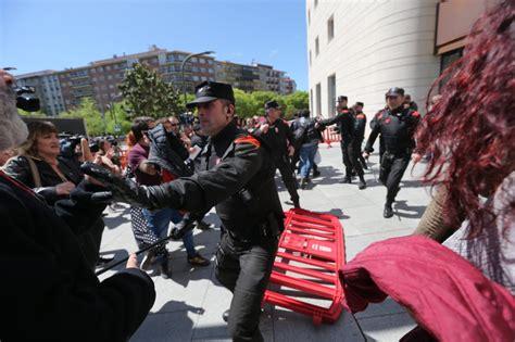 Fotos: Protestas tras la sentencia de La Manada | España ...