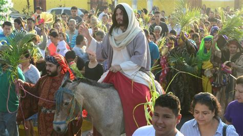 FOTOS – VIDEO: Católicos participan en las procesiones del ...
