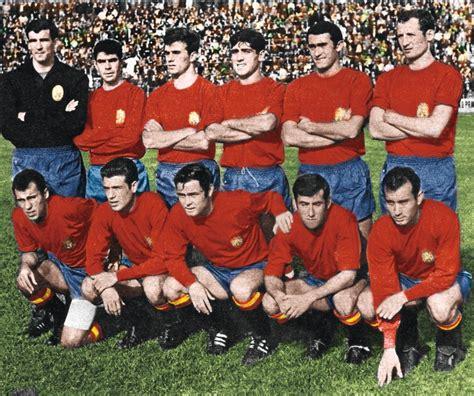 Fotos: Selección Española Fútbol: Las equipaciones de la ...