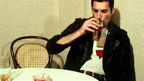 Freddie Mercury - 'Interview in 1982' This is the year ...