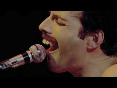 Freddie Mercury : QUEEN / RAPSODIA BOHEMIA - YouTube