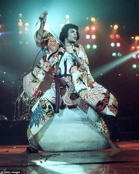 Freddie Mercury's AIDS battle cost the singer his FOOT ...
