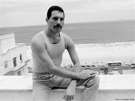 Freddie Mercury's Life Is the Story of HIV, Bisexuality ...