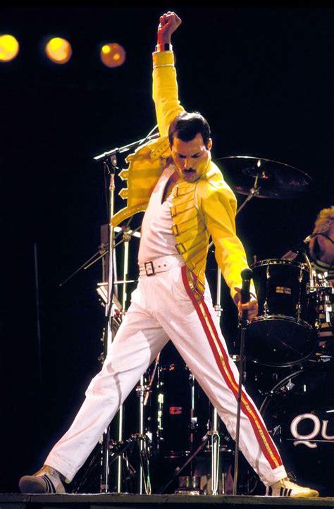 Freddie Mercury skończyłby 67 lat - zobacz największe hity ...