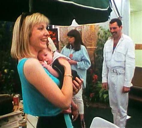 Freddie,Mary Austin   Freddie Mercury Photo  13514077 ...