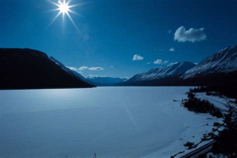 Free beautiful scenery wallpapers: Snow Mountain and Lake ...