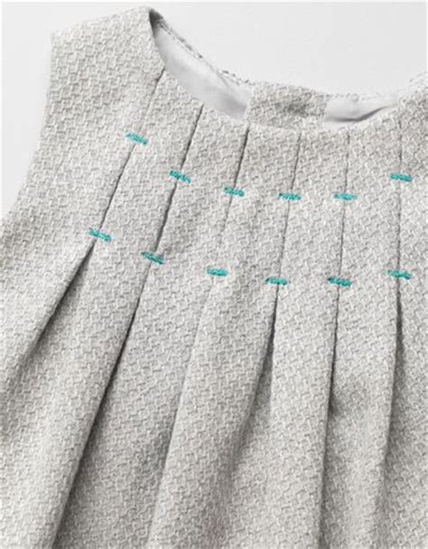 FREE Pattern and tutorial: The Eriqua Dress | Pinterest ...