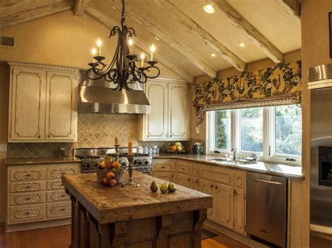 french county kitchens | French Country Kitchen: Bring ...
