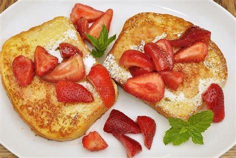French Toast (Receta Simple) - Recetas Americanas
