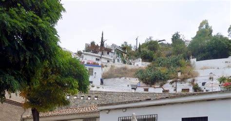 FUENTES DE GRANADA: Fuente de la Virgen en el Ave María ...