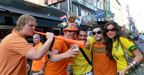 G1 - Após triunfo, holandeses tentam animar brasileiros em ...