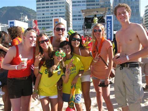 G1 - Holandeses viram celebridades em arena de Copacabana ...