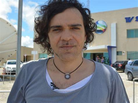 G1   Paulinho Moska se apresenta no Projeto MPB Petrobras ...