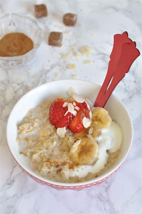 Gachas de avena con plátano y canela. Porridge