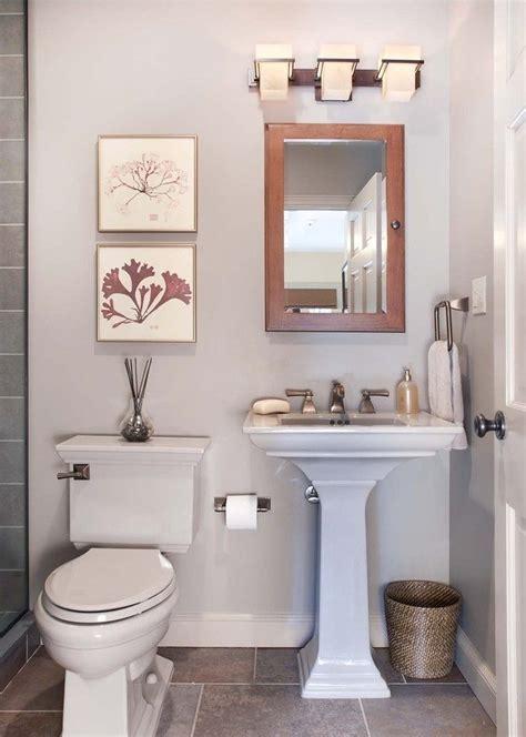Galería de imágenes: Cuartos de baño pequeños