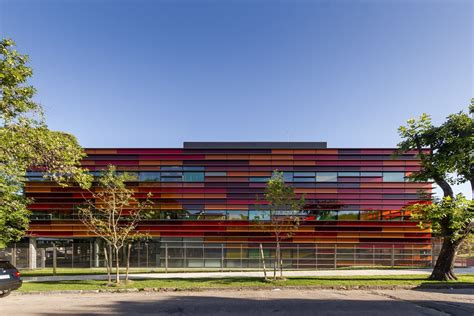 Gallery of Grupo Santander Montevideo Headquarters / BVO ...