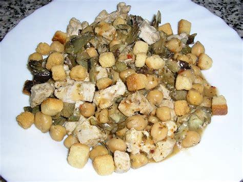 Garbanzos con alcachofas y pollo (microondas)