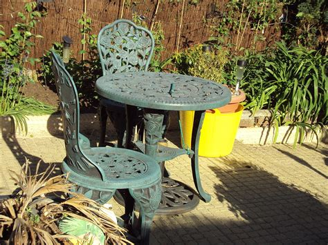 Garden furniture - Wikipedia