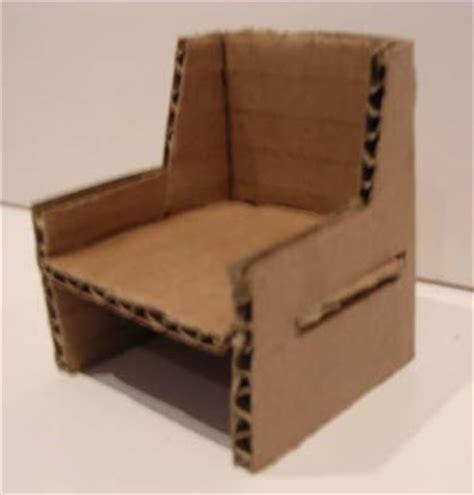 Gavin s Folio: Cardboard Chair   2003