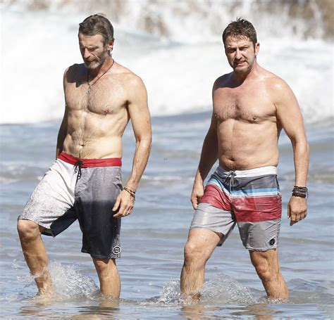 Gerard Butler Sighting at the Beach in Malibu 151013 01 ...