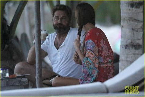 Gerard Butler Spends His New Year s Day on the Beach in ...