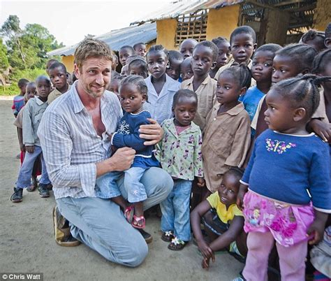 Gerard Butler swaps Hollywood for the kitchen as he ...