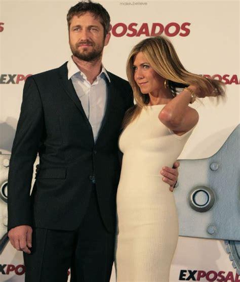 Gerard Butler y Jennifer Aniston,  exposados  en madrid ...