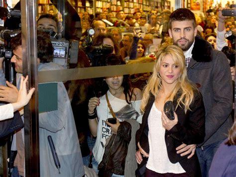Gerard Pique Photos Photos   Shakira and Gerard at a book ...