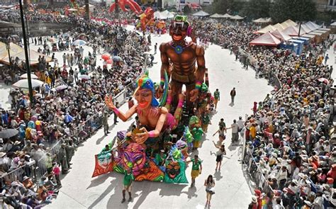 Get to know the richness of Colombian festivals and ...