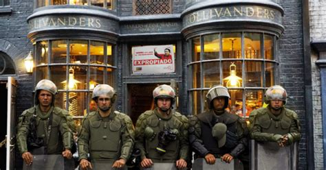 Gobierno celebra aniversario de Harry Potter expropiando