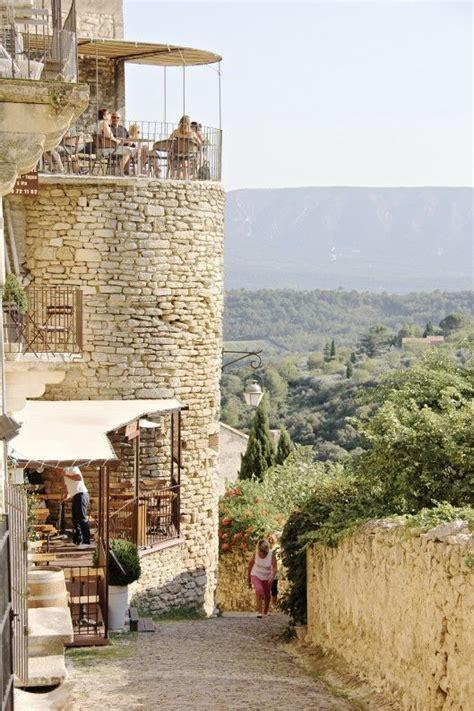 Gordes, en la Provenza francesa. Casas de piedras y calles ...