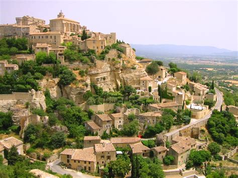 Gordes, Lubéron region, Vaucluse. The Provence at its best ...