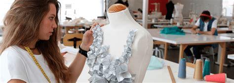 Grado Oficial en Diseño de Moda | ESNE   Escuela ...